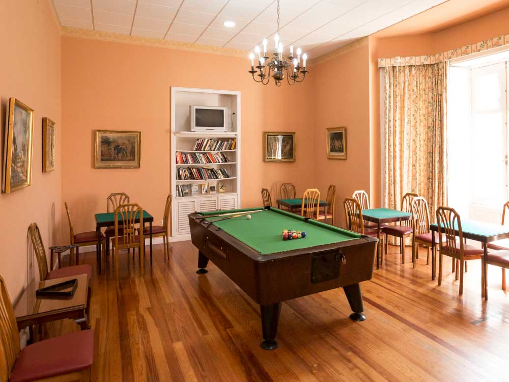 Billiard roomHotel Elegance Miramar